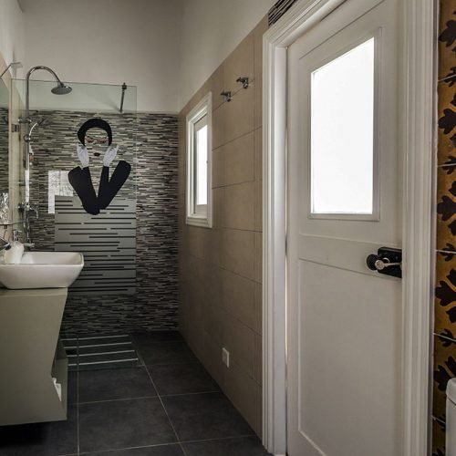 Room 181 - Bathroom
