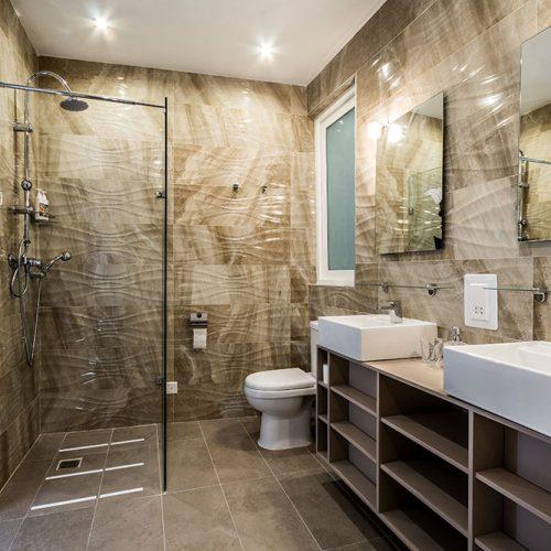 Room 616 - Bathroom